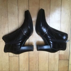 Nickels booties, NIB, Size 5